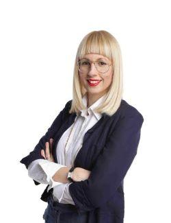 Vera Ovanin Business Editorial Specialist